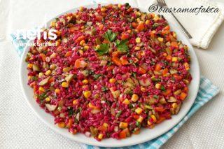Kaşık Kaşık Yedirten Şalgamlı Pirinç Salatası Tarifi