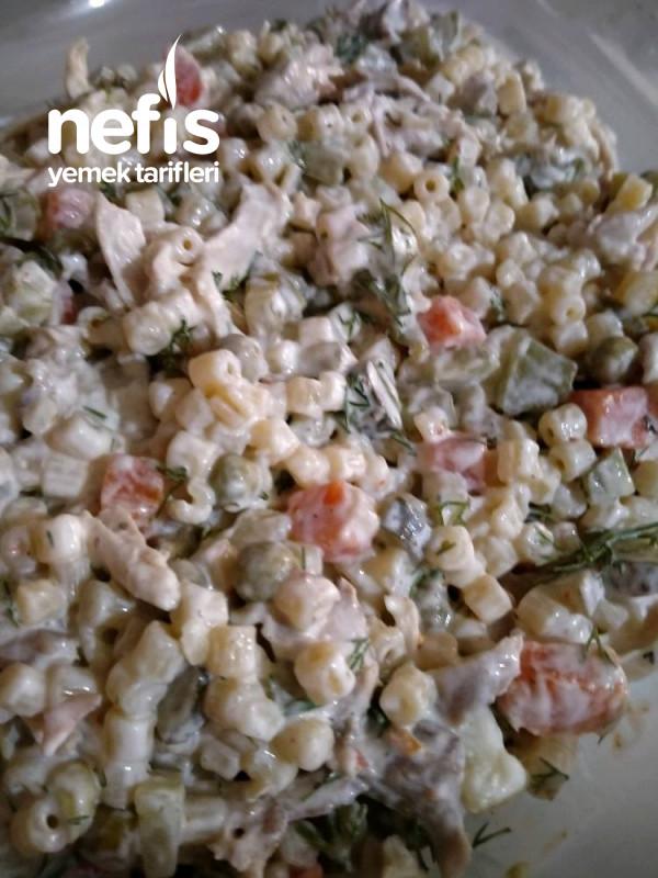 Sebzeli Tavuk Salatası