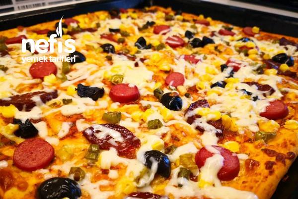 Pizza Hamuru Ve Mükemmel Pizza Tarifi – Tepsi Pizzası Tarifi(Videolu)