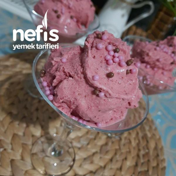 Sadece Üç Malzemelı Ev Yapımı Çilekli Dondurma (6-8 Kisilik)