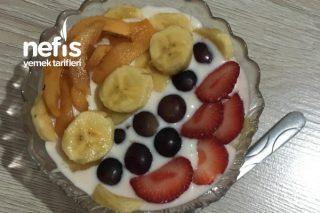 Sağlıklı Meyveli Yoğurt Tarifi