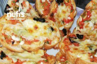 Sarımsaklı Ezineli Ekmek Pizza Tarifi