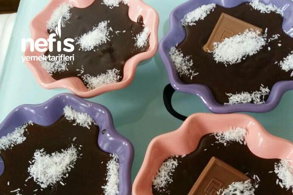 Çikolatalı Puding (Az Malzemeyle Muhteşem Lezzet) Tarifi