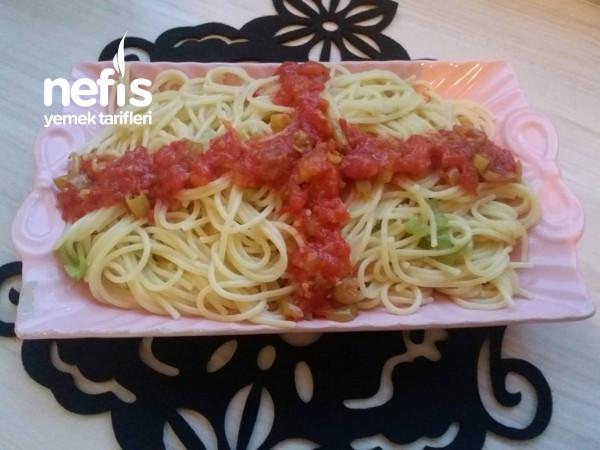 Domates Soslu Spagetti Makarna