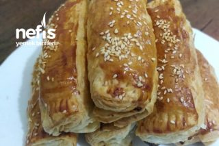 Közlenmiş Patlıcanlı Tavuklu Börek Tarifi