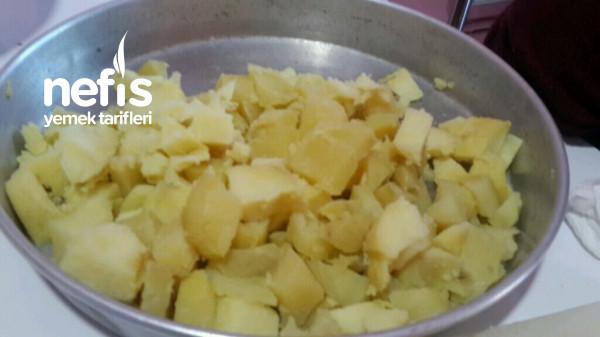 Günlerin Vazgeçilmezi Patates Salatası