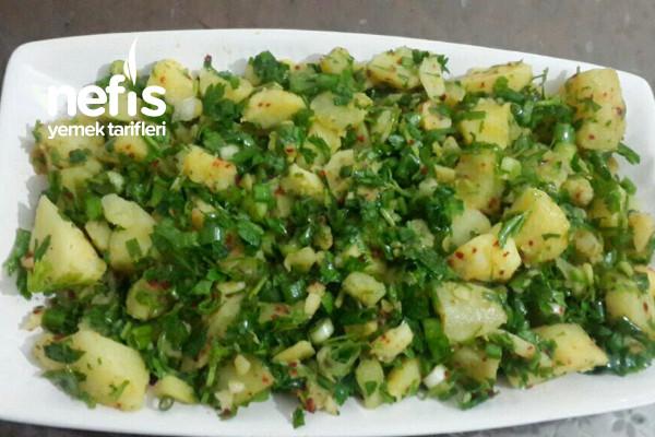 Günlerin Vazgeçilmezi Patates Salatası Tarifi