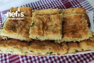 Su Böreği Lezzetinde Peynirli Kolay Tepsi Böreği (Videolu) Tarifi