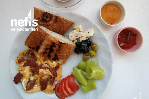 Standart Bir Kahvaltı Tarifi