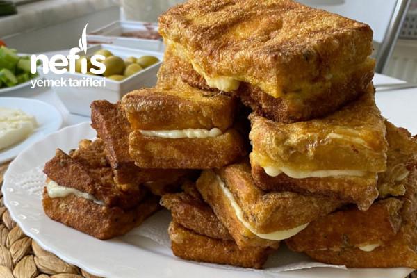 Yumurtalı Ekmek Dilimleri (Kaşar Peynirli) Tarifi