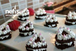 Kalpli Mini Yaş Pasta Tarifi