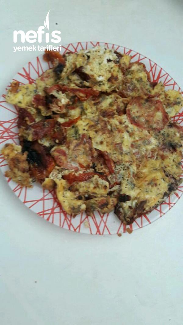 Kuru Domatesli Omlet