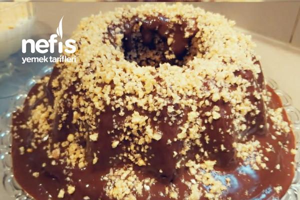 Çikolata Soslu Cevizli Kek Tarifi