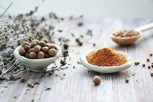 Sebzeli Çeşni: Lezzet Artıran Kullanımı Tarifi