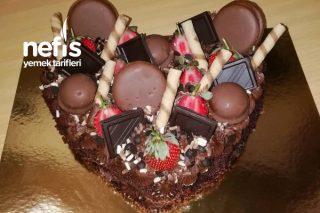 Çikolatalı Doğum Günü Kalp Pastası Tarifi