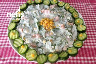 Serinletici Sebzeli Yaz Salatası (Videolu) Tarifi