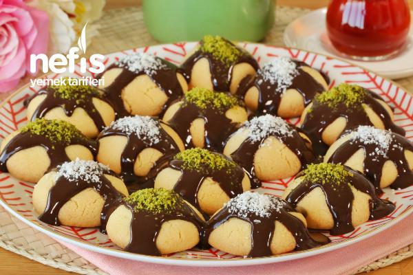 Kıyır Kıyır Çikolata Soslu Kurabiye Tarifi (videolu)