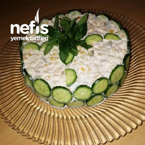 Nefis Sunumuyla Makarna Salatası