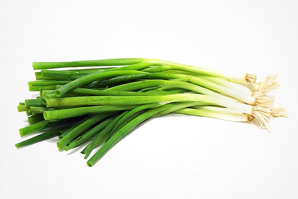 Yeşil Soğanın Sizi Şok Edecek 12 Faydası Tarifi