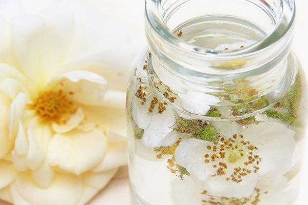 Evde Şampuan Yapımı: 7 Doğal Tarif Tarifi