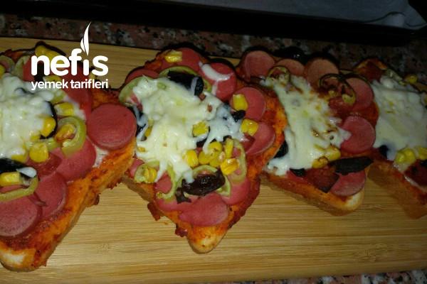 En Pratik Pizza (Hem Kolay Hem Lezzetli) Tarifi