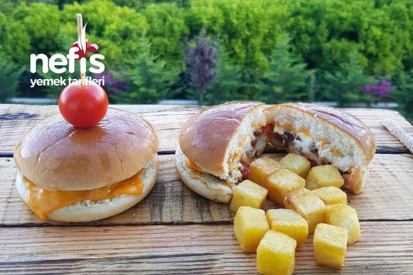 15 Dakikada Pratik Cheeseburger (Videolu) Tarifi