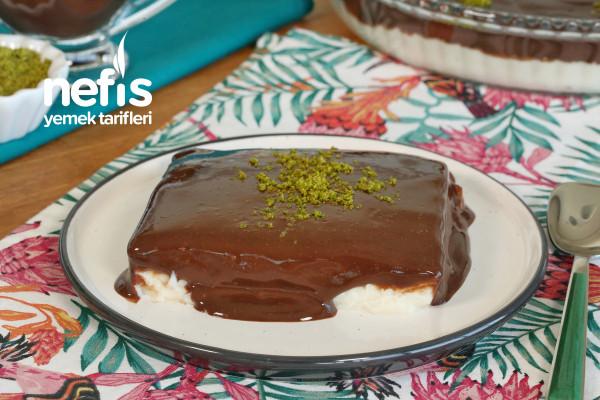 Çikolata Soslu Muhallebi (videolu)