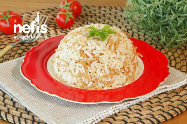 Tavuk Suyu ile Pirinç Pilavı (videolu)