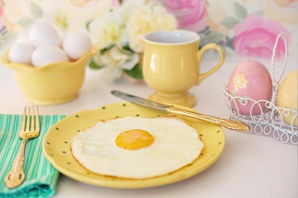 yumurta beyaz bebeklere ne zaman verilir
