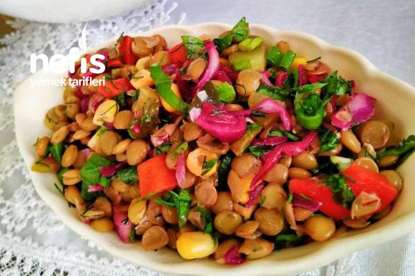 Yeşil Mercimek Salatası (Doyurucu Lezzet) Tarifi