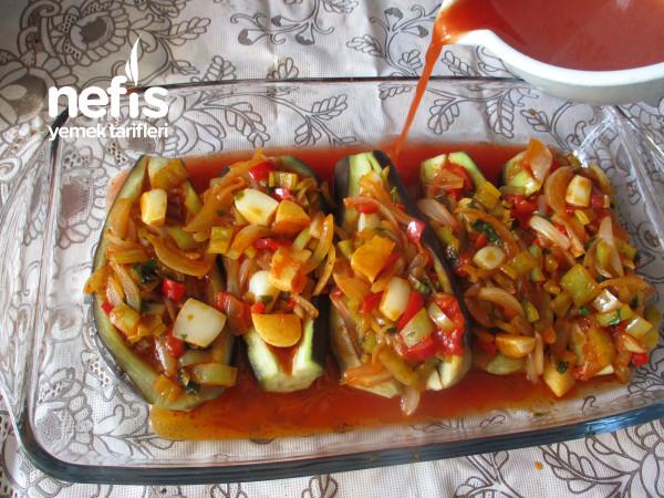 Borcamda Haşlanmış Patlıcanlı İmambayıldı Yemeği