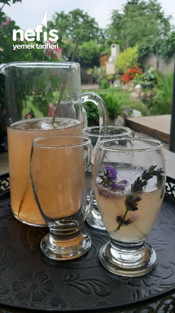 Lavanta suyu (içeceği)