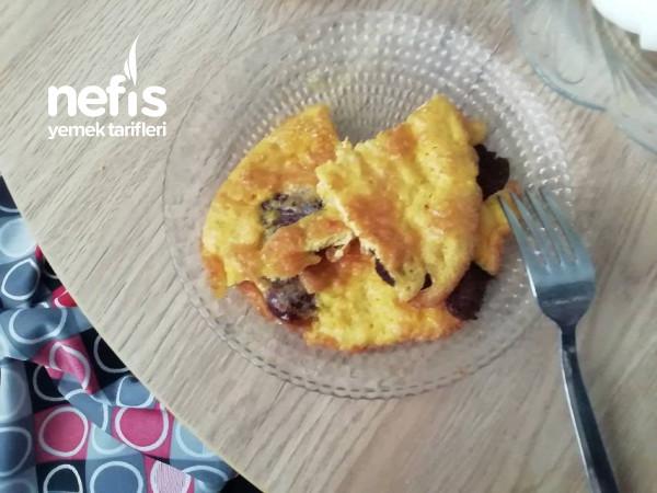 Kahvaltıda Doyuracak Mis Gibi Sucuklu Yumurta