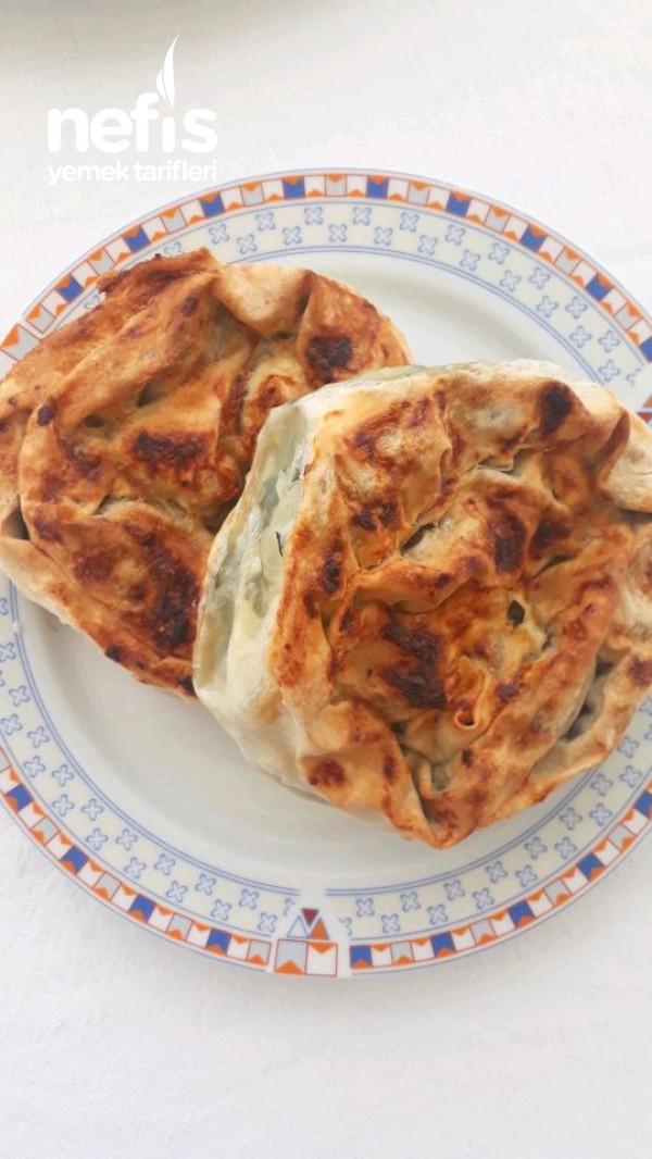 Ispanaklı Lorlu Gül Böreği