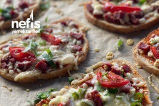 Bayat Ekmek Pizza Tarifi