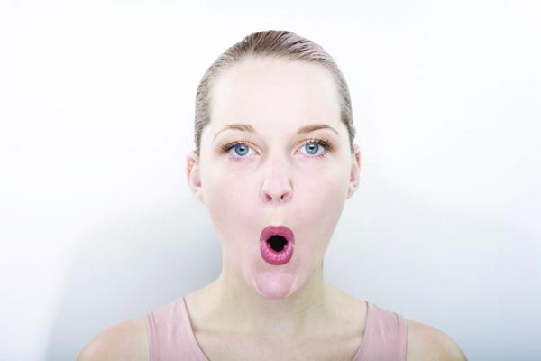 dudak dolgunlaştırıcı egzersiz