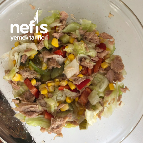 Ton Balıklı Salata – (Restorantlardaki Gibi)