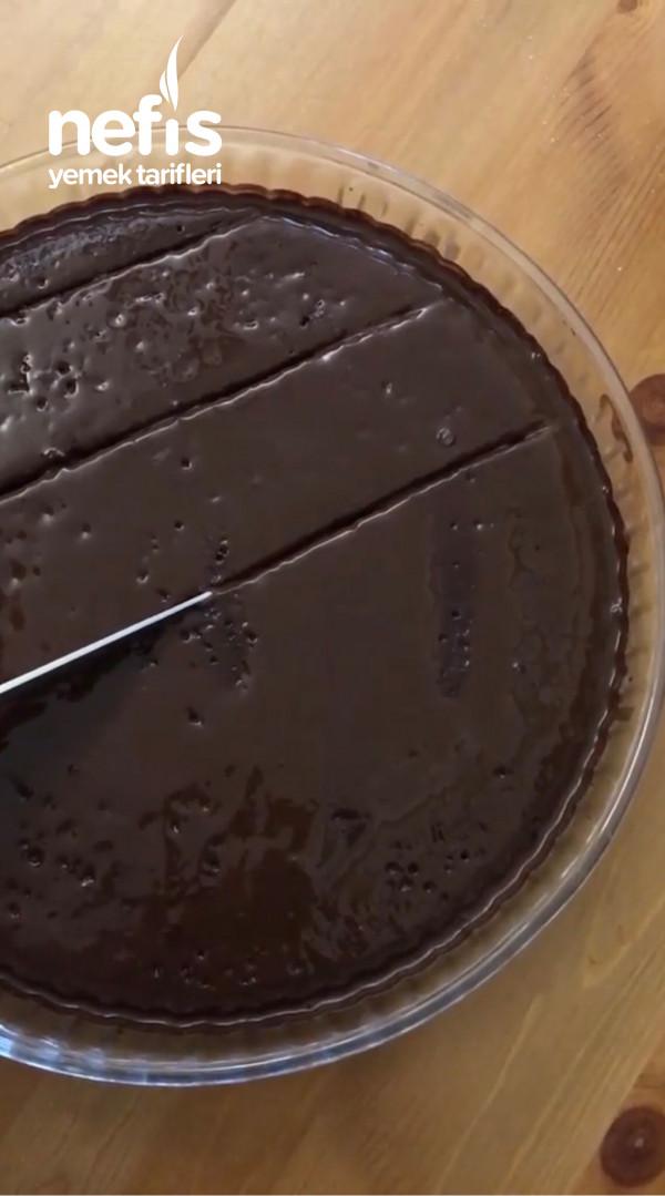 Brownie Tadında Nefis Tahinli Islak Kek