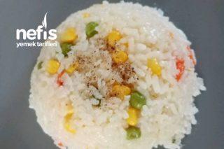 Sebzeli Pirinç Pilavı (Havuç, Bezelye,mısırlı) Tarifi