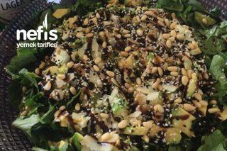 Avokadolu Ispanak Salatası Tarifi