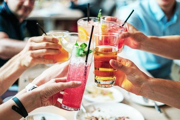 enerji içecekleri alkol var mı