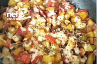 Kahvaltılık Sucuklu Patates Tarifi