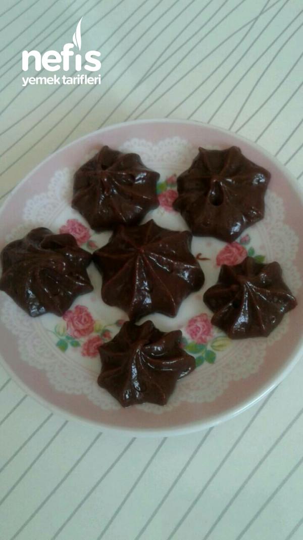 Koyu Kıvamlı Ve Pratik Pasta Kremasi (kremşantili)