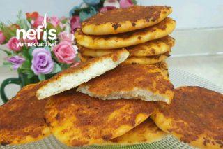 Nefis Soğanlı Biberli Ekmek Tarifi