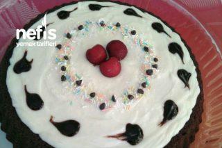 Tart Kalıbında Muhallebili Çikolata Soslu Kek Tarifi