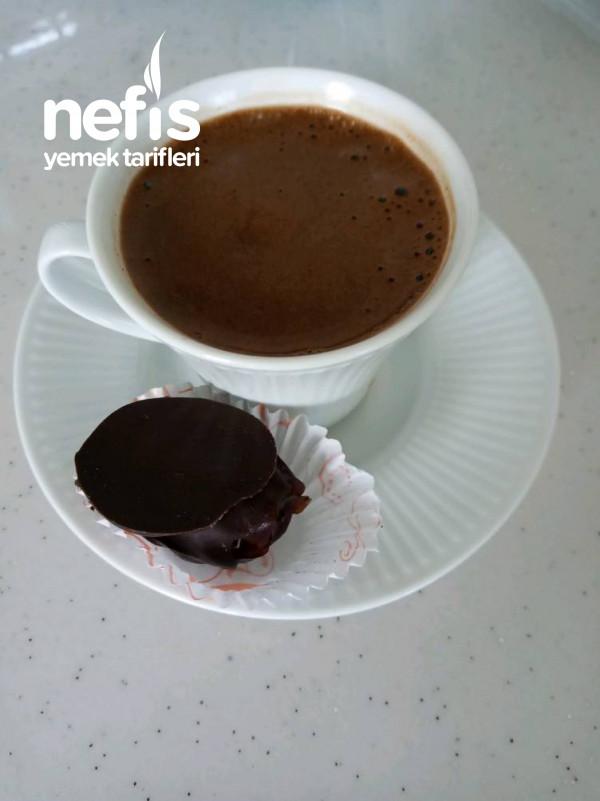 Kahve Yani Atıştırmalık Çikolata Kaplı Hurmalar