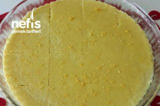 Limonlu Zerdeçallı Sütlü İrmik Tatlısı Tarifi