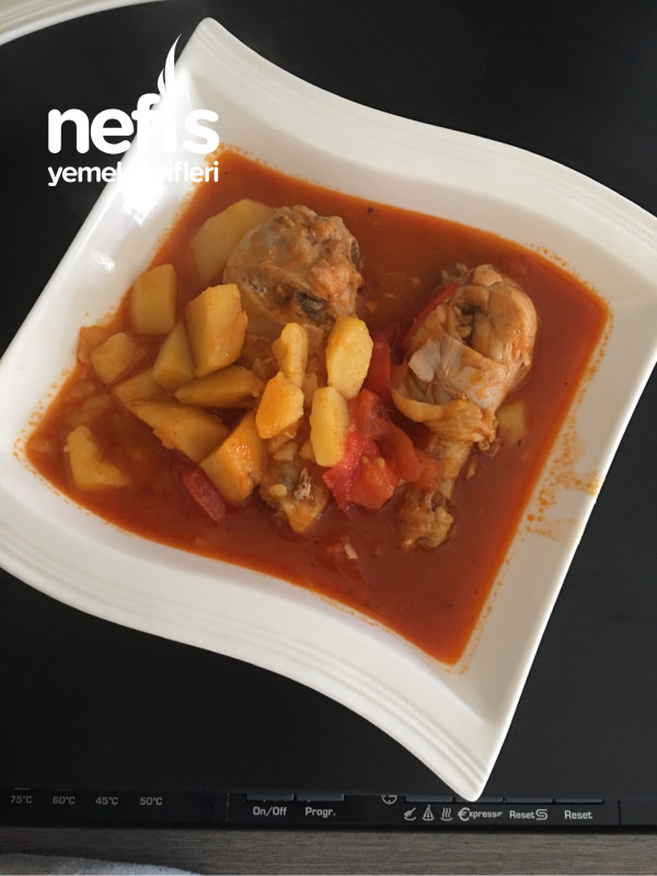 Sulu Tavuk Yemeği
