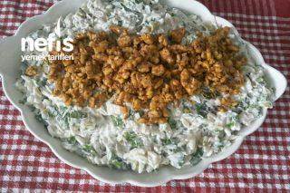 Tavuklu Yoğurtlu Arpa Şehriye Salatası Tarifi