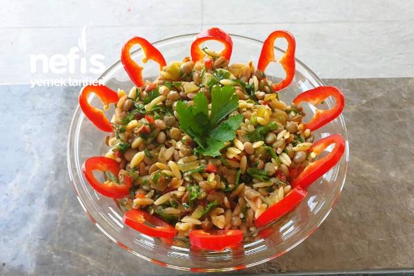 Yeşil Mercimekli Şehriye Salatası